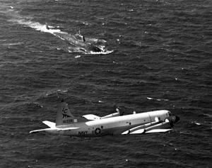 P-3C VP-8 over Victor class sub off Hammamet 1985.jpg