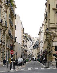 P1110397 Paris VII rue de Grenelle rwk.JPG