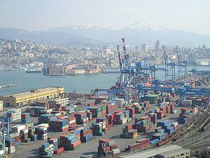 http://upload.wikimedia.org/wikipedia/commons/thumb/c/ce/Panorama_di_Genova_(porto_commerciale_e_porto_antico).jpg/300px-Panorama_di_Genova_(porto_commerciale_e_porto_antico).jpg