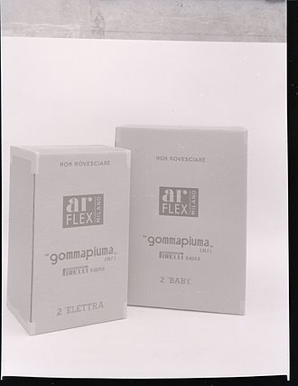 Arflex - Foam rubber Arflex. By Paolo Monti photographer, 1975.
