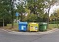 Pardubice, Schwarzovo náměstí, kontejnery.jpg