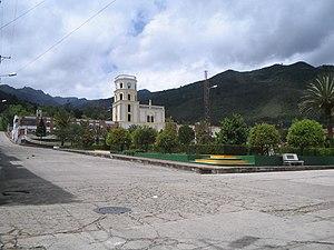 La Uvita - Image: Parque,iglesia,coleg io