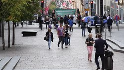 Arquivo: Pedestrians in Buchanan Street, Glasgow.webm