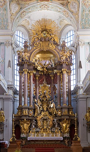 St Peter's Church (Munich) - High altar