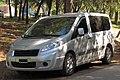 Peugeot Expert HDi Van 2014 (26588765427).jpg