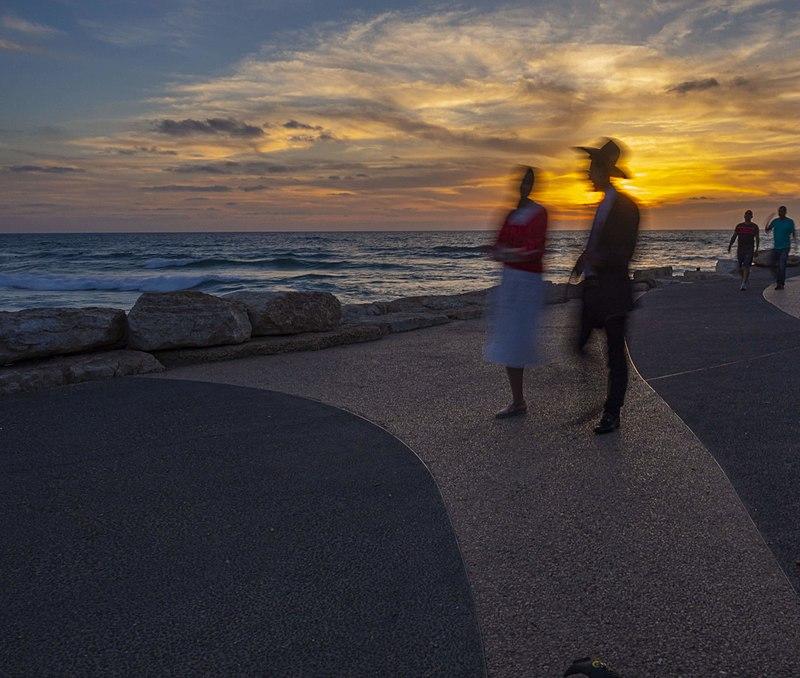 בחוף תל אביב