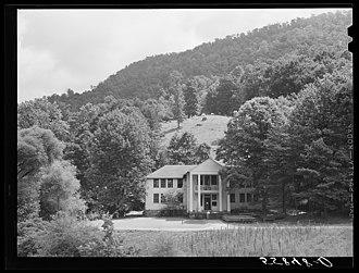 Pine Mountain Settlement School - Pine Mountain Settlement School, photographed by Marion Post Wolcott in 1940