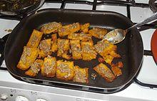 Polenta al forno con bagna càuda.