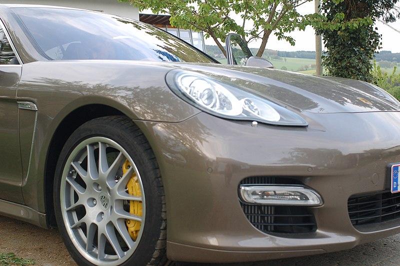 Archivo:Porsche Panamera 1.jpg