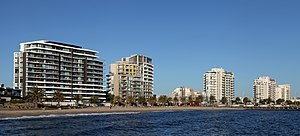 Port Phillip - Beacon Cove beach and apartments in Port Melbourne