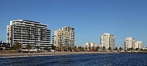 Port Phillip - Beacon Cove beach and apartments in Port Melbourne