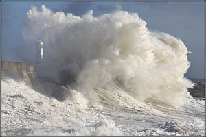 2013–14 Atlantic winter storms in Europe - High waves at Porthcawl 27 December