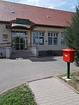 Post box and post office, 2019 Heves.jpg