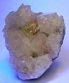 Powellite-Apophyllite-(KF)-247668.jpg