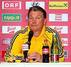 Pressekonferenz nach dem Fußballländerspiel Österreich-Ukraine (01.06.2012) Oleh Blochin1.jpg