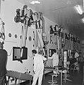 Prins Bernhard bezocht reactorcentrum Petten, de Prins tijdens rondgang, Bestanddeelnr 917-2076.jpg