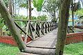 Puente en el Parque Santander de Leticia Amazonas 17-07-2015.JPG