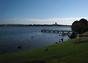 Lake Pupuke - The lakeshore and jetty near the pump house