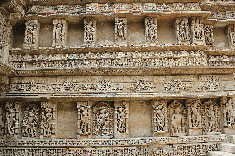 File:Queens stepwell, patan, gujarat.JPG