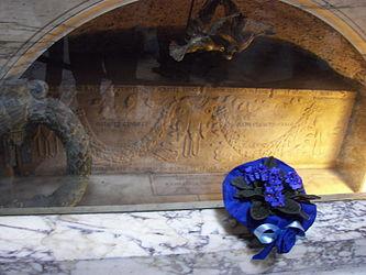 Raphael's grave.jpg