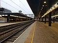 Reading station platforms 7 8 look west.jpg