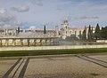 Regenbogen vor Mosteiro dos Jerónimos (12544769984).jpg