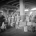 Registratie van repatrianten in Tandjong Priok, Bestanddeelnr 255-8352.jpg