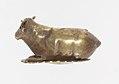 Resting bovine amulet MET 30.8.406 lp.jpg