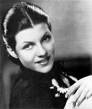 Rita Hayworth - Fox publicity photograph of Rita Cansino (1935)