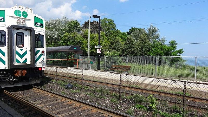 File:Rouge Hill GO Station 15690948328.jpg