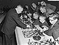Russische schakers op simultaantoernooi te Hilversum, Bestanddeelnr 910-8987.jpg