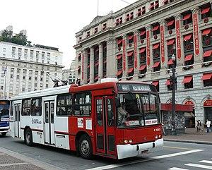 Trolleybuses in São Paulo - Image: São Paulo Marcopolo Volvo trolleybus 1949 in 2009