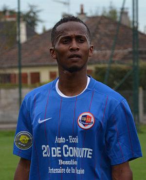 Chaker Alhadhur - Image: SM Caen B Stade rennais B 20150913 Chaker Alhadhur (1)
