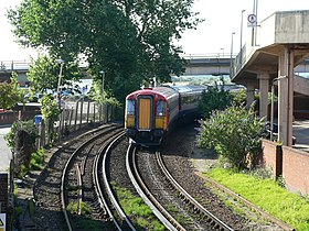Tren de la South Western Main Line en Poole.