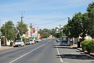 Saddleworth, South Australia - Belvidere Road, the main street of Saddleworth