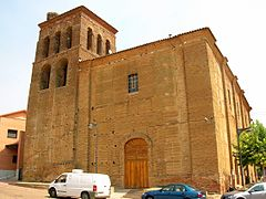 Sahagun - Iglesia de la Trinidad (albergue de peregrinos)2.jpg