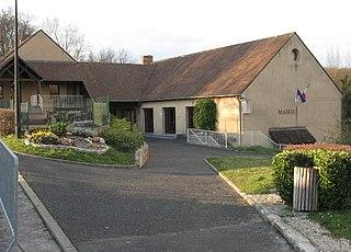 Saint-Sauveur-sur-École Commune in Île-de-France, France