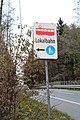 Salzburger Lokalbahn - Schild zur Haltestelle Eching.jpg