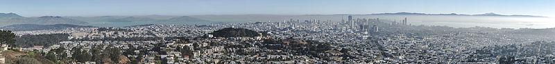 San Francisco Panorama from Twin Peaks 2013.jpg