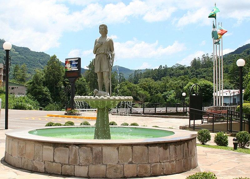 Ficheiro:Sao Vendelino Brunnen.jpg