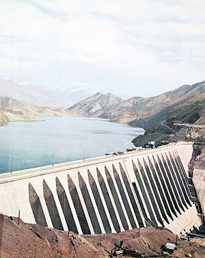 Sefidrud Dam - The dam in 1975