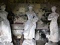 Septmonts (château) statues abritées dans tourelle 6084.jpg