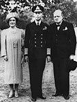 Sir-Winston-Churchill-and Royal Family.jpg