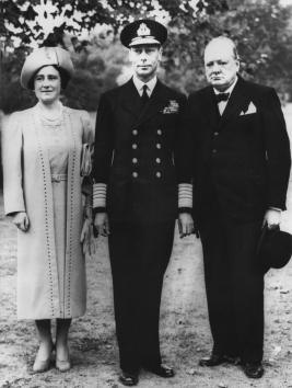 Sir-Winston-Churchill-and Royal Family