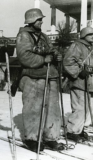 Blue Division - Blue Division skiers prior to their departure on a mission. Scenes like these were common amongst the Spanish Army throughout the Winter Campaign.