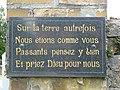 Sorcy-Bauthémont (Ardennes) plaque entrée cimetière.JPG
