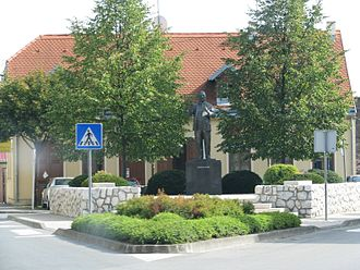 Petrinja - Stjepan Radić monument