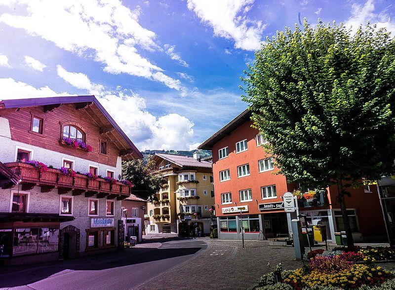 File:St Johann, Austria - panoramio (5).jpg