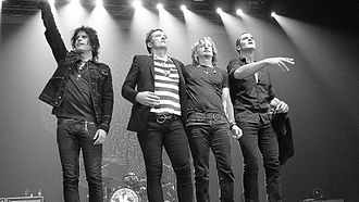 Stone Temple Pilots - Stone Temple Pilots' original lineup in Manila, Philippines on March 9, 2011. From left to right: Dean DeLeo, Scott Weiland, Eric Kretz, and Robert DeLeo.
