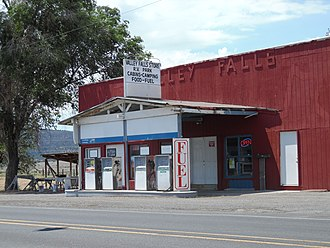 Valley Falls, Oregon - Valley Falls store and gas station